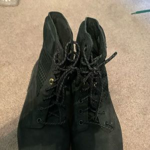 Black Timberland Boots hardly any wear